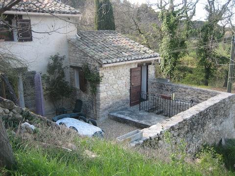 Chambre privée 1 ou 2 pers dans maison provençale