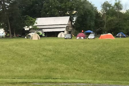 Barnyard Camping!! Morrow Mountain View URE