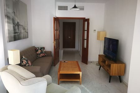 Apartamento 2 Dormitorios. Piscina y Parking.
