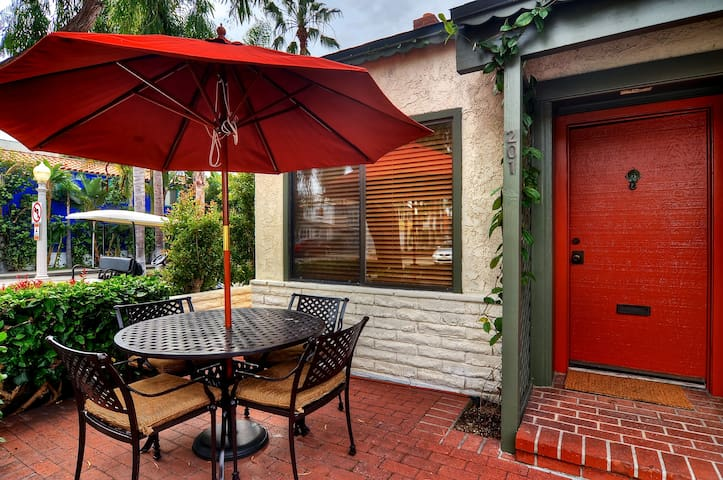 CHARMING COTTAGE AFFORDABLE Balboa Island SLEEPS 5 - Newport Beach - Talo