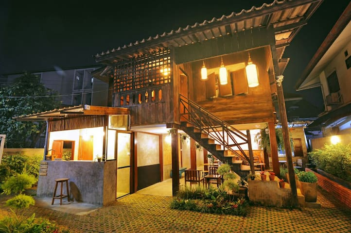 Dormitory 6 bed - Si Phum - Haus
