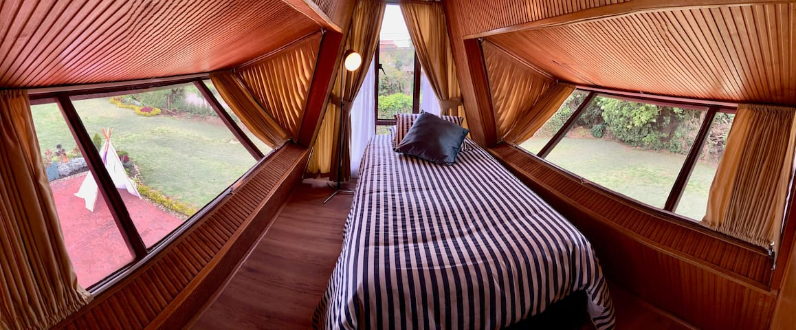Alcoba Altillo con cama Nido para dos personas // Nest bedroom with single mattress for two people
