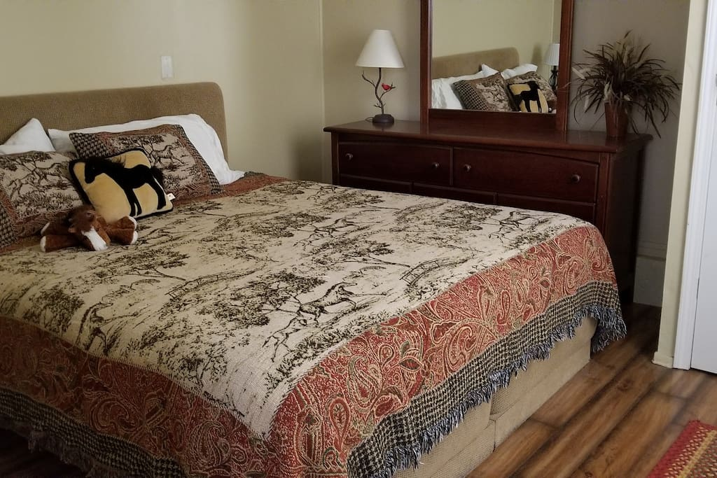 King bed in separate bedroom