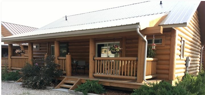 A-Modern/Cozy 2 Bedroom/2 Bath-Pinedale House!