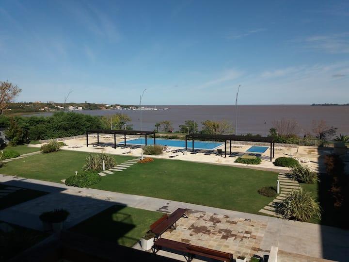 Apart Altos del Virrey 212 con vista al rio