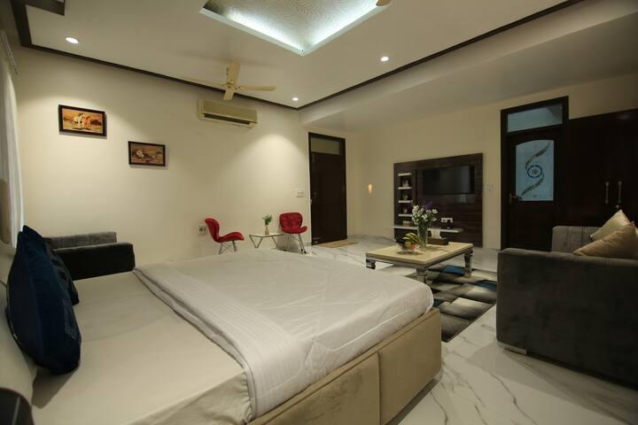 Premium Suite in farmstay-Gurugram