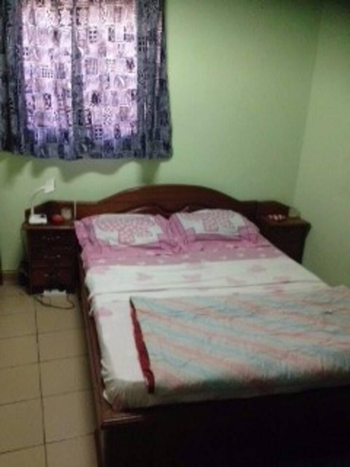 Chambre élégante et confortable à Yaoundé