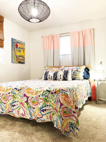 New! Sweet Home Alabama downtown studio apartment