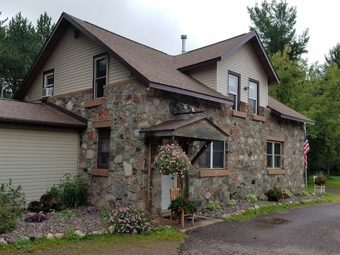 Vacation rental next to Wisconsin Concrete Park