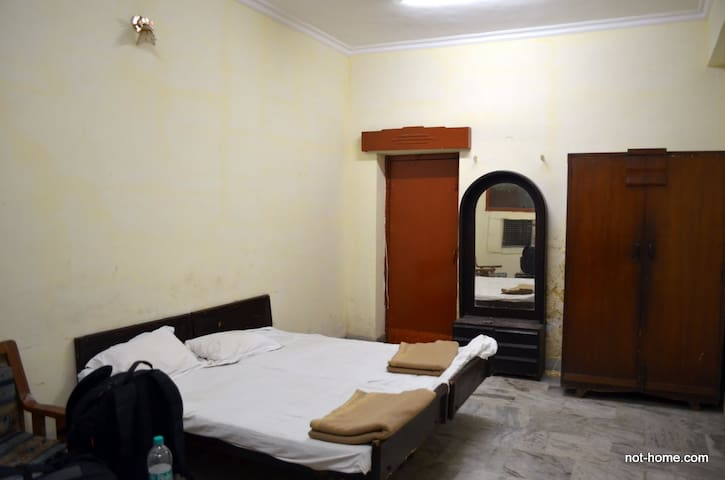 Separate Room Available - Multan - Apartment