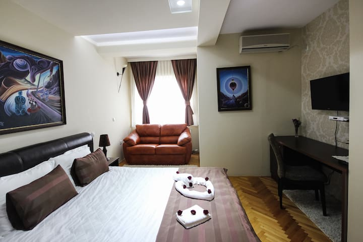 Brown Deluxe double room - Skopje - Villa