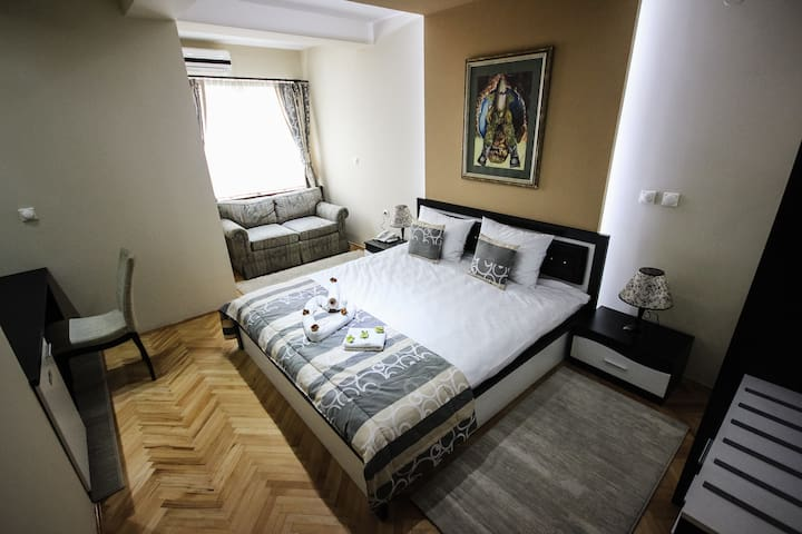 White Double deluxe room  - Skopje - Villa