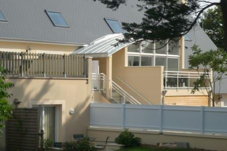 Appartement F3 rez-de-chaussée - Colleville-sur-Mer