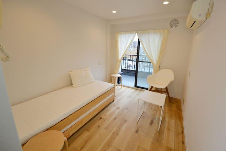 503 ENZO iogi Condo and Apartment