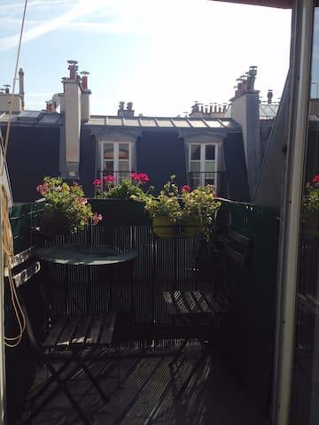 Studio avec terrasses au Canal Saint Martin