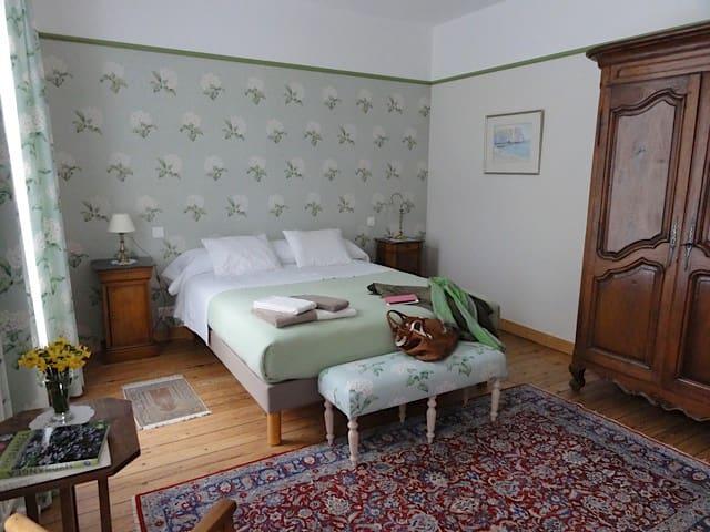 Le Figuier, chambre Les Hortensias - Sainte-Maure-de-Touraine - Gæstehus