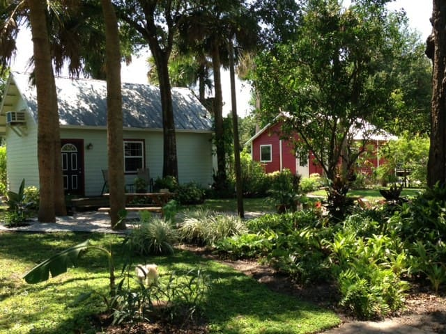 Eaden Cottage on the East Coast - Titusville - Rumah