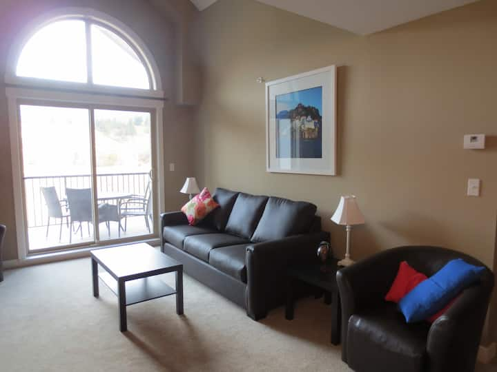 412 Lovely Two Bedroom, Two Bath Condo