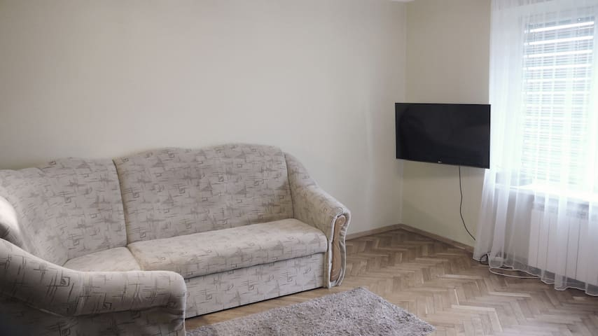 Double-room apartment 20 min from the city center