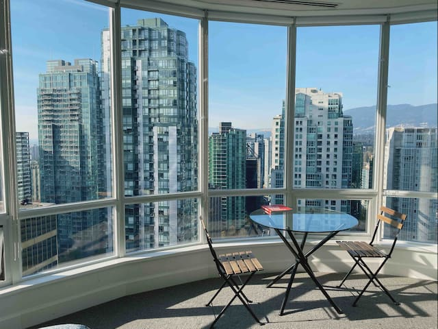 Downtown Vancouver Penthouse Private Room 3003