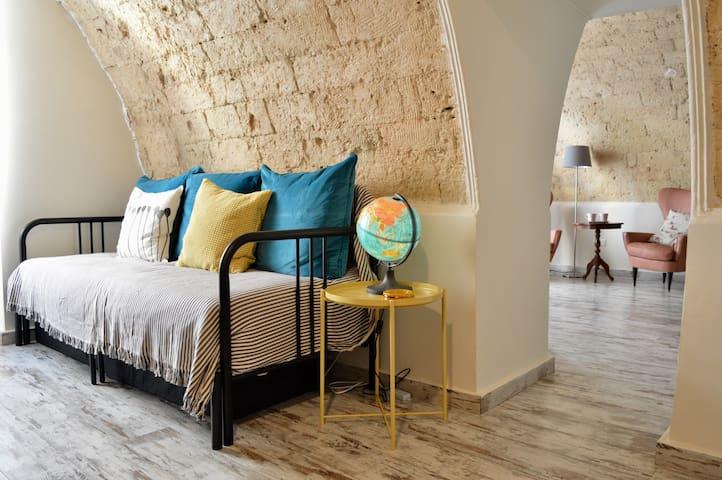 seconda stanza con divano letto matrimoniale
