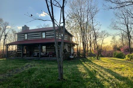 Cedar Ridge Farm - Rural Artist/Writer Retreat