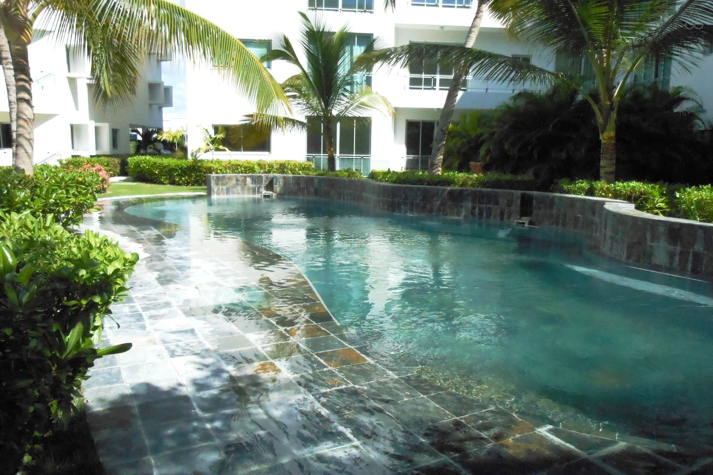 Nice Swimming Pool And Relax Area