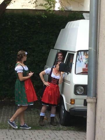Courtyard Camping - Schwabing Vintage VW