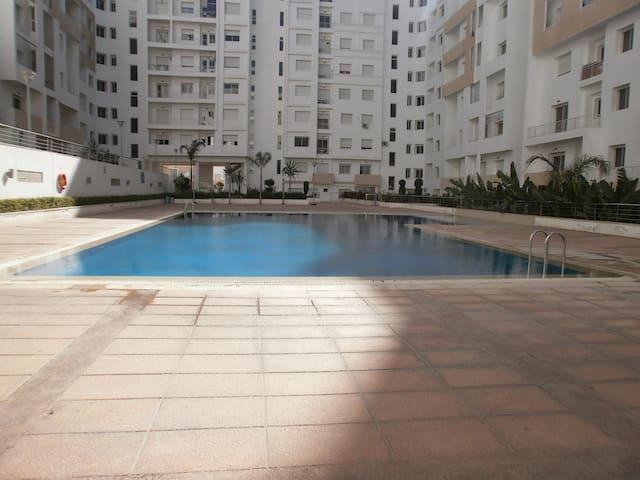 Superbe appartement avec piscine à Agadir