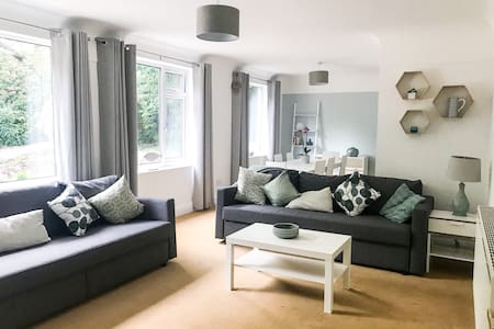 Spacious country holiday home in heart of Wirral