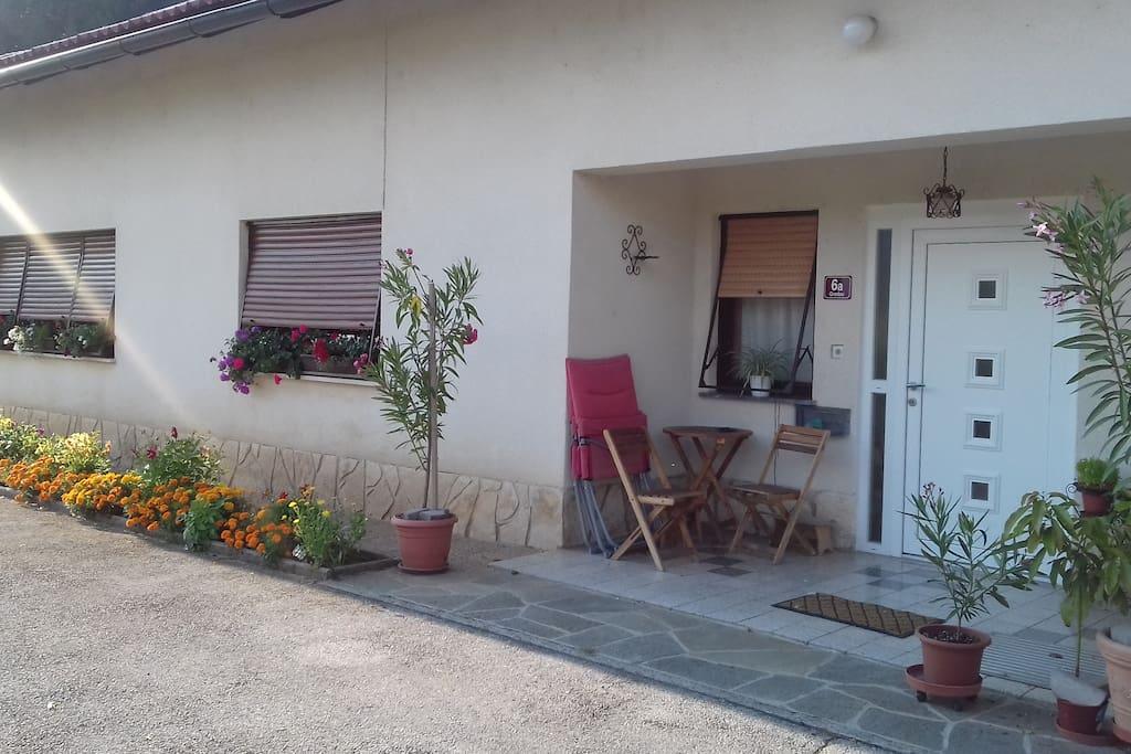 Naš apartma-sprednji vhod/Our apartma-front entrance