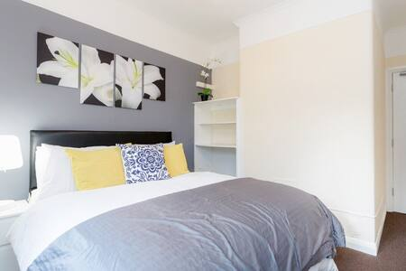 Modern Clean Bedroom 5min 2 Station - Thornton Heath