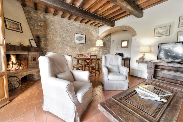 Chianti Apart. in a Cottage,WIFI,SWPOOL,Parking