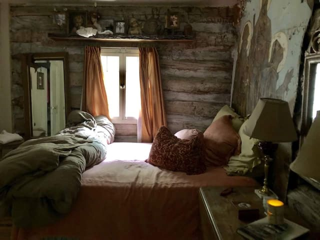 The bedroom, when you open the window you can hear the rushing waters below, soothing.