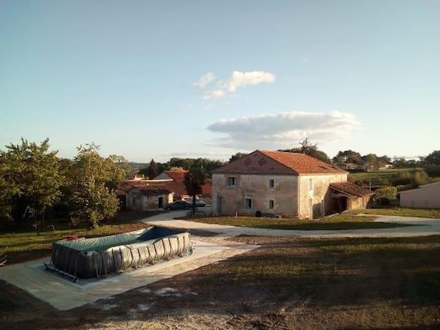 Maison 6 personnes avec piscine et climatisation