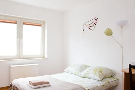 Bright, airy room in Ehrenfeld - Appartamento