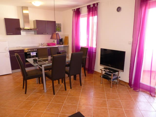 Apartmani Kvesic - Lavanda - Šilo - Apartment
