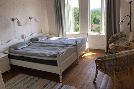 Rum med utsikt utanför Lysekil Lantligt  läge.