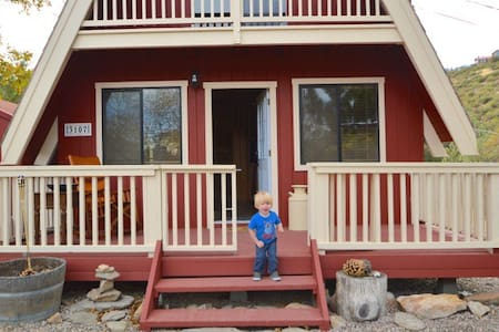Exceptional 2BR/1BA Cabin in Julian -Pet Friendly!