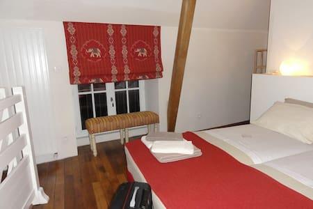 Le Figuier, la Petite Maison - Guesthouse