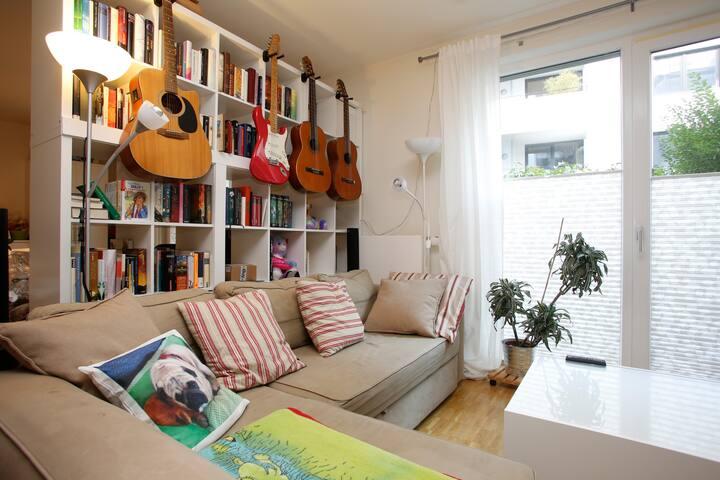 Modern central 2 bedroom apartment - Hamburg - Appartement
