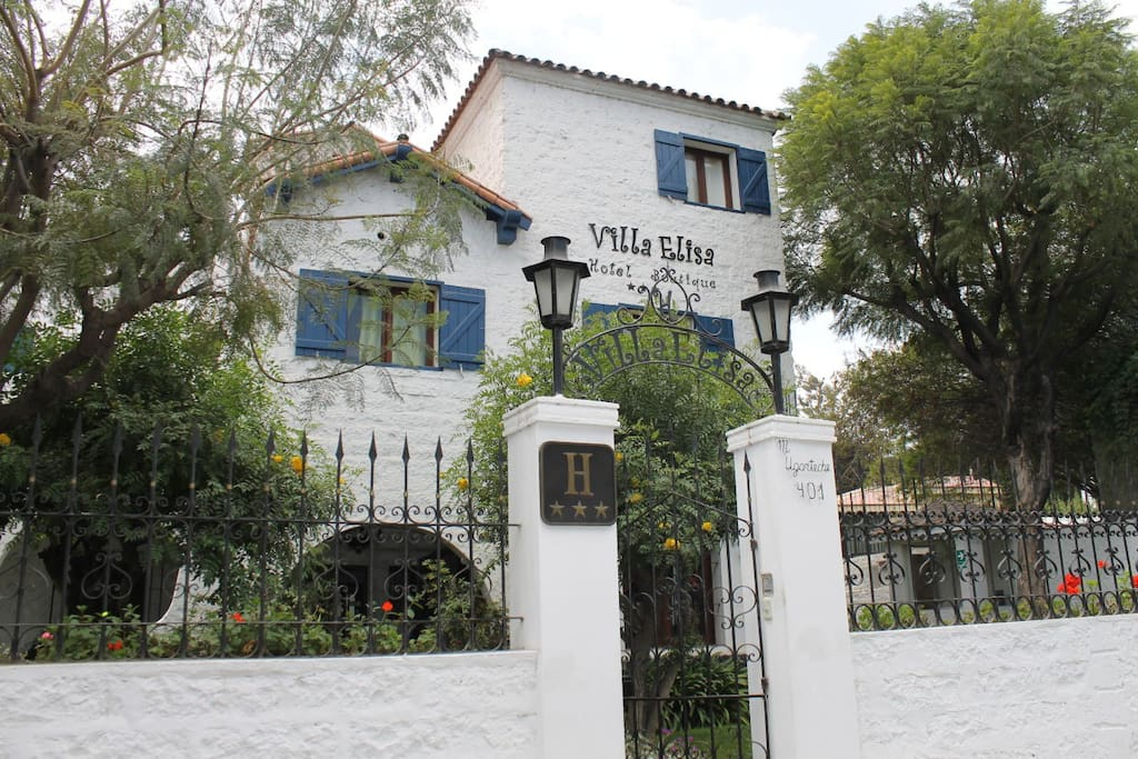 villa elisa jewish singles Looking for henry -- a kaddish for the jews who rest in jewish cemeteries in cuba and for raquel's mother who does not -- a tour of havana's synagogues -- the kosher butcher shop -- the shirt that holds sadness -- los prinstein -- in the realm of lost things -- how to pack your suitcase -- enrique bender's blue-green eyes remind me of my.