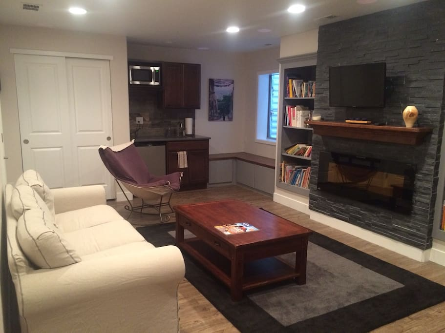 cozy private basement apt with private bath houses for