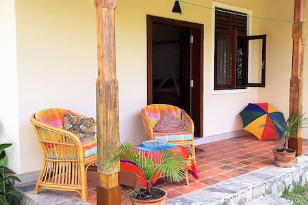 Weligama River Garden Bungalow with A/C, Kitchen - Weligama - Domek parterowy