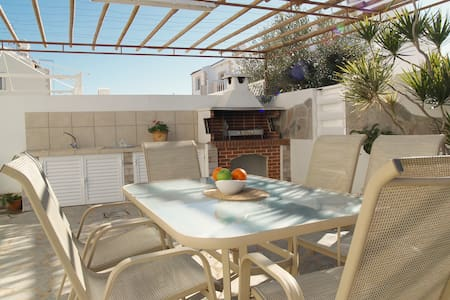 Villa Christina DPSI4 -Two Bed Villa-BBQ-Free WiFi