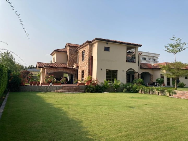 Beautiful Garden Villa