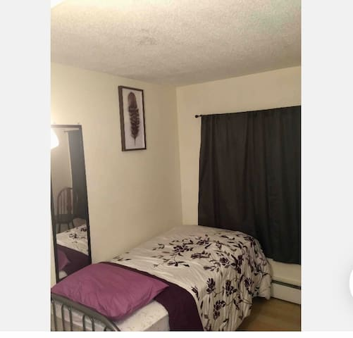 Simple Private Room Near Downtown Ottawa