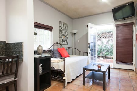 Contemporary, Comfortable & Cozy - ลอสแอนเจลิส - ที่พักพร้อมอาหารเช้า