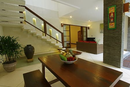 Room type: Private room Property type: Villa Accommodates: 4 Bedrooms: 1 Bathrooms: 2