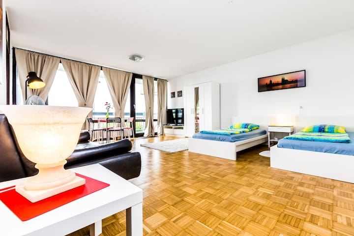 84 Studio apartment in Cologne - Köln - Huoneisto